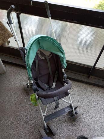 Лятна количка със подвижен сенник.