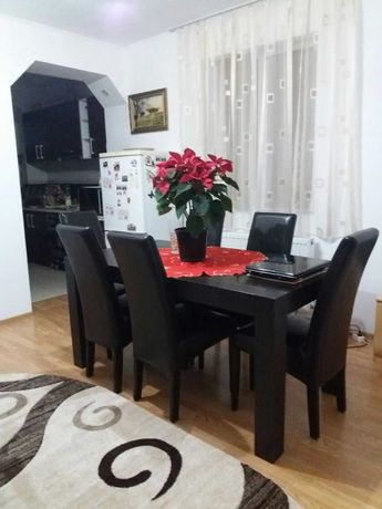 Apartament 3 camere Decomandate zona centrul comunei Teaca