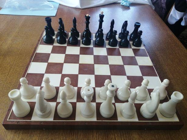 Продам шахматы СССР. Большие карболитовые. Гроссмейстерские.