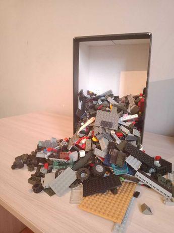 2 Коробки с LEGO(ЛЕГО), Минифигурки 90 шт.