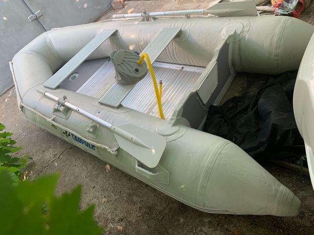 Лодка резиновая и мотор бензин