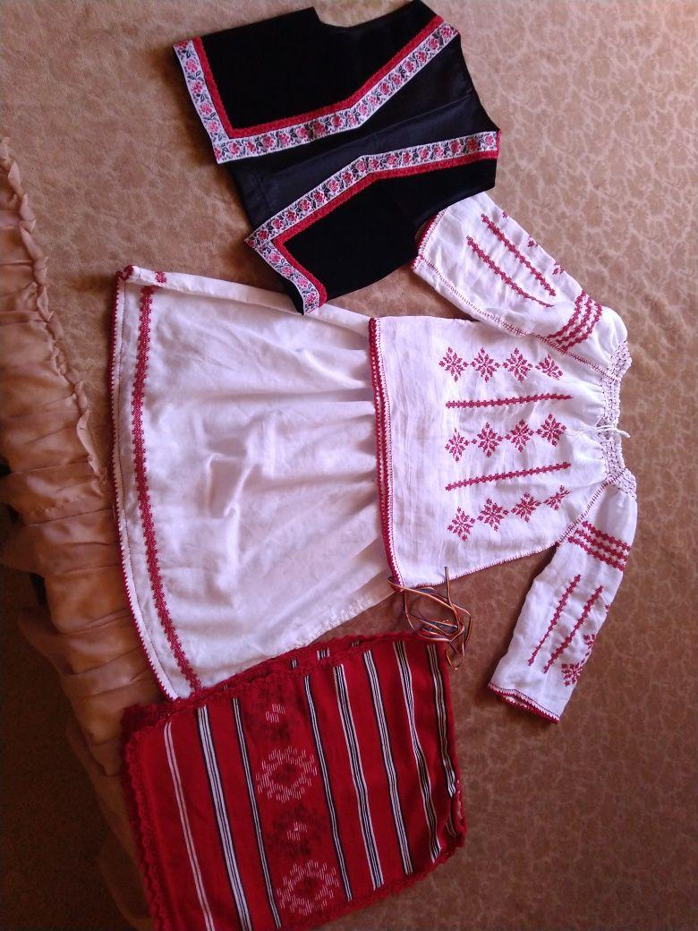 Vând costum popular copii 4 piese