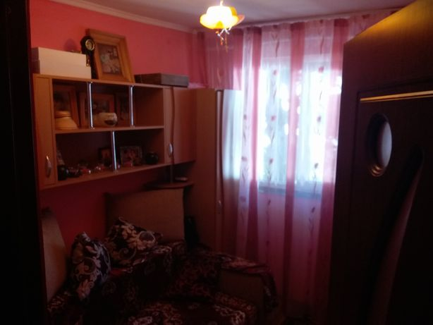 Apartament de vanzare cu 4 camere