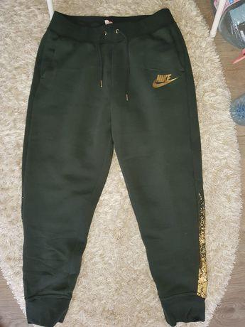 pantaloni nike original grosi, potriviti sezon rece