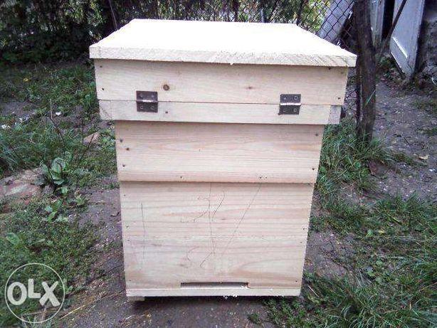 Stupi pentru albine