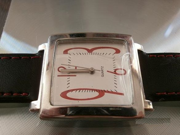 ЕЛЕГАНТЕН Мъжки Часовник