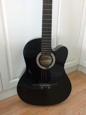 Продам гитару.В хорошем состоянии.