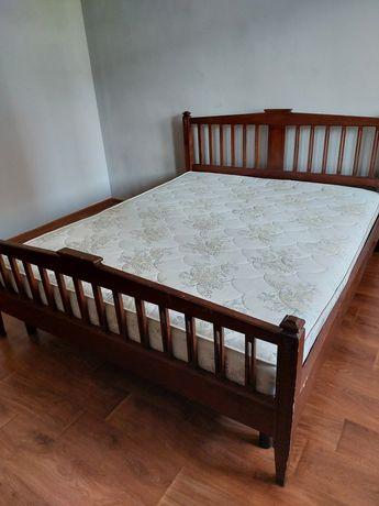 Продам двухспальную кровать ,с матрасом