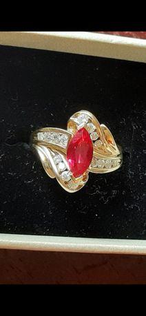 Inel vechi aur rubin si diamante