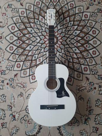 Продам гитару за 16тыс