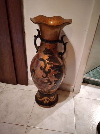 Старинна ваза в добро състояние