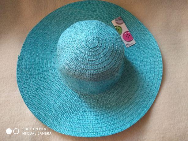 Pălărie de vara cu boruri largi
