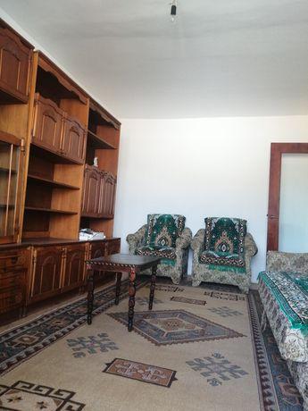 Apartament 3 camere, parțial mobilat