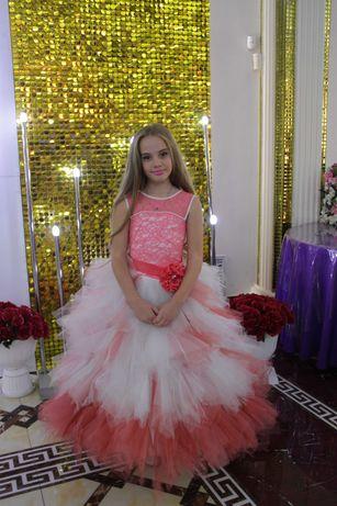 продам шикарное платье производство Украина на девочку 8-11 лет