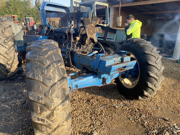 Punte fata tractor ford new holland