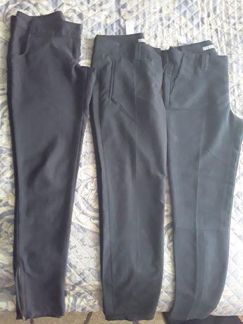 Продам школьные брюки на девочку подростка.