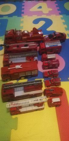 Vând, lot mașinuțe pompieri, majoritatea metalice