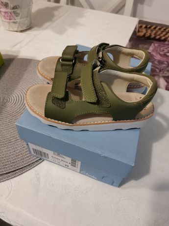 Sandale Klarks sunt noi nu ni s-a potrivit mărimea.