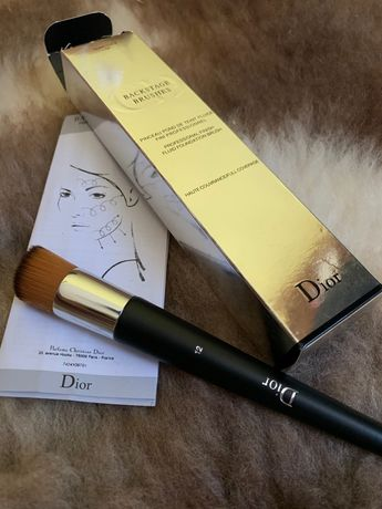 Диор четка за грим фондьотен backstage brush 12 Dior