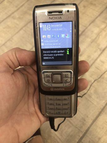 Telefon E65 implecabil ca nou