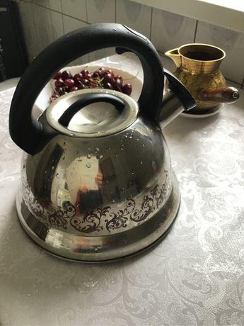 Чайник со свистком в хорошем состоянии продам