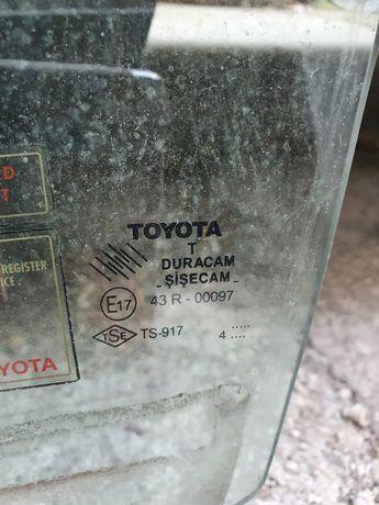 Оригинално предно стъкло Тойота
