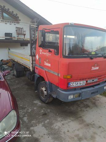 Vând NissanL35-08