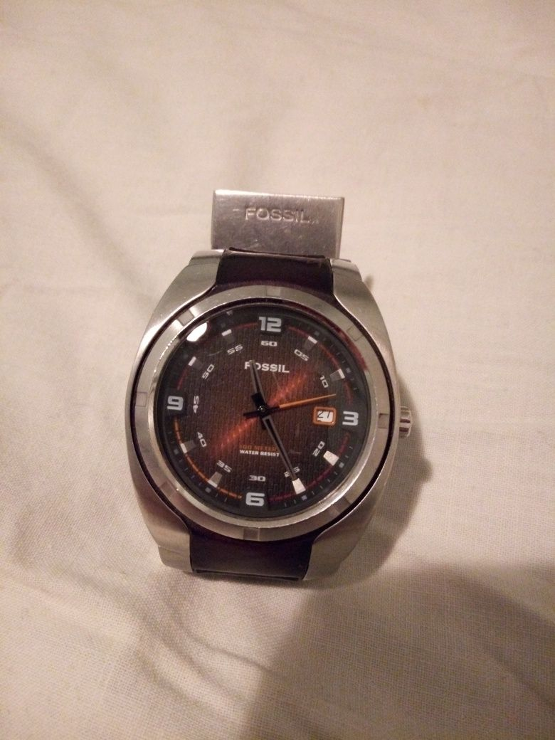 Часовник Fossil blue