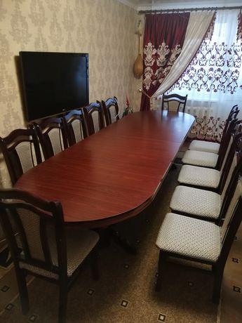 Продам стол из красного дерева со стульями