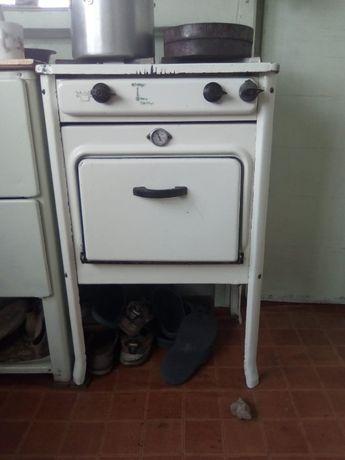 Продаю газовую плиту 2-х камфорочную с духовкой