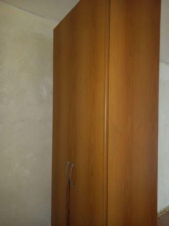 Шкаф пенал в хорошем состоянии