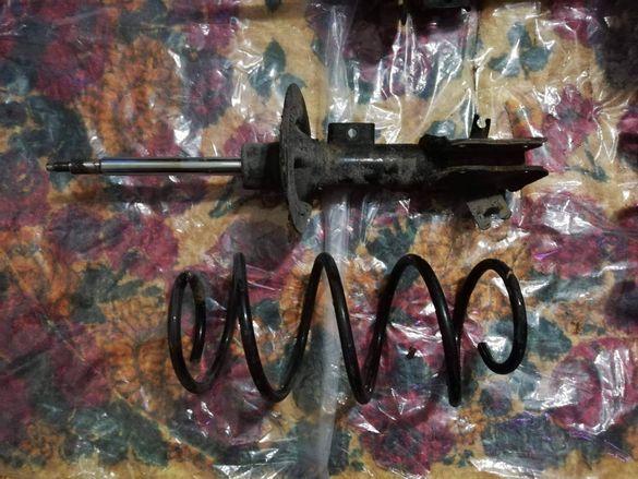 VOLVO V40 - пружини и запазен ляв амортисьор
