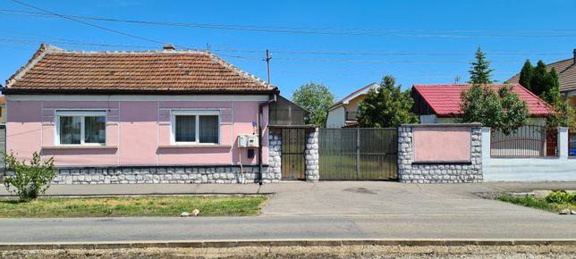 Vand Casa cu Teren de 1000mp in Iosia pe strada Aviatorilor.