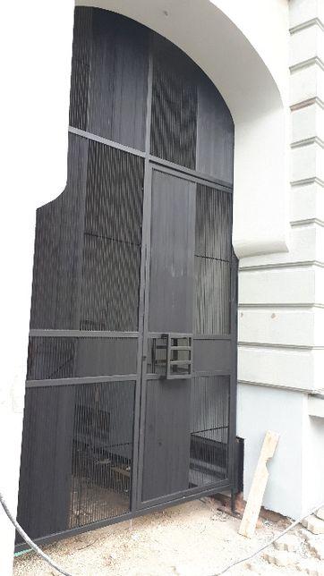 Confectii metalice, porti, garduri, scari, mobilier metal-lemn, sere.