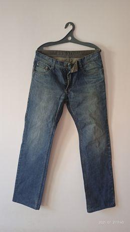 новые джинсы 33 размер 2шт каждая за 1500 тг