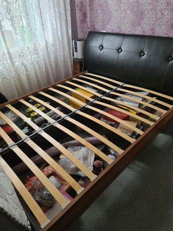 Продам кровать 160×200