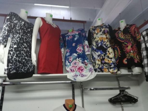Lichidare stoc haine prețuri intre 10-15 lei