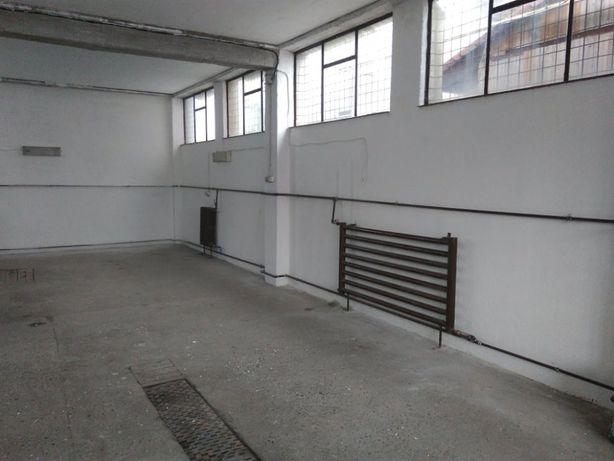 Inchiriez sau vand hala pentru atelier, depozit sau productie M.Corvin