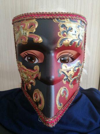 Masca venetiana pictata