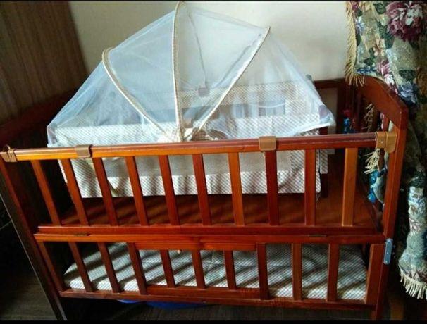 Детская кровать манеж,с люлкаи