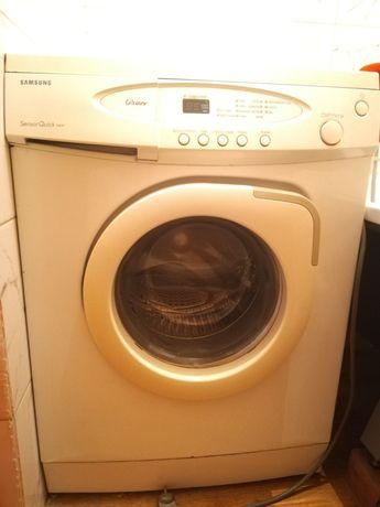 Продам автомат стиральную машину срочно 10000т