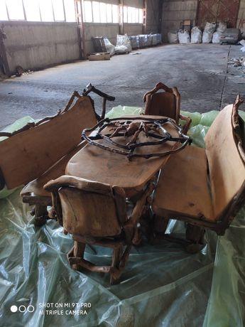 комплект дървени мебели