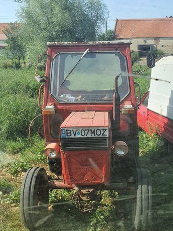 Tractor UTB 445  -  2 bucăti