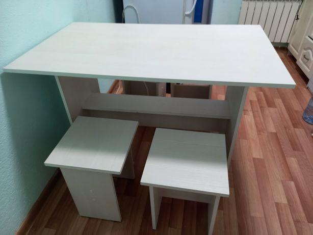 Продам стол с стульями