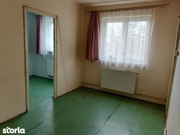Apartament de vanzare 3 camere Gura Campului