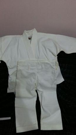 Nou Kimono judo /karate, 3_4 ani, detalii și măsurători la cerere.