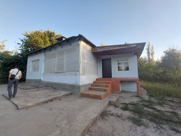 Жилой дом с времянкой в горной местности в с.Каржан.