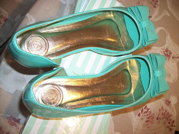 Нови Обувки Axel