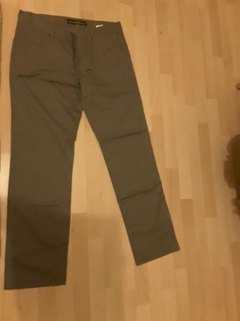Vand pantaloni marca cons, nepurtati, marimea w34/L32