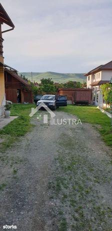 Vila, 5 camere, de închiriat, în Floresti